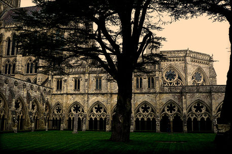 Salisbury-cathedral-outsidep