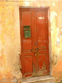 alte Tür Sardinien von Corinna Schumann
