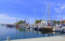 Ein kleiner Bootshafen by Waltraud Linkenbach