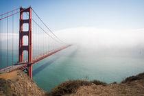 Golden Gate Bridge in Fog by Felix Pütsch