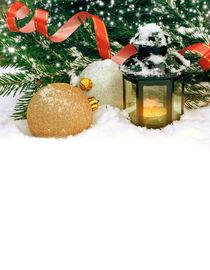 Christmas card with golden balls and a flashlight von larisa-koshkina