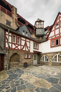 Burg Stahleck-Innenhof Wehrgang von Erhard Hess
