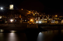 Whitby East Cliff By Night von Rod Johnson