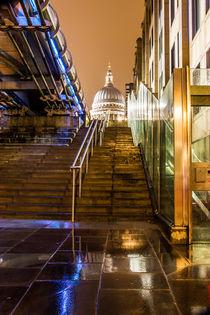 St Pauls Peeping by Dan Davidson