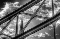 Tower Bridge and the Shard von David Pyatt