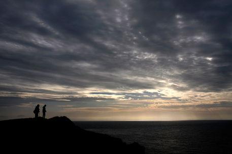Cliff-silhouette