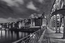 Brücke in der Speicherstadt II by Simone Jahnke