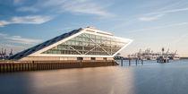 Hamburg - das Dockland by Moritz Wicklein