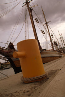 Yellow thing von uta-behnfeld