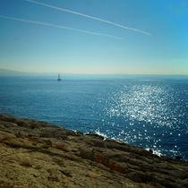 Segelboot vor Piräus, sailboat in front of Piraeus von Sabine Radtke