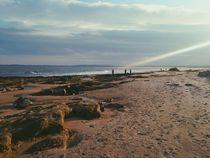 sandy beach and sea von Kirsty Lee
