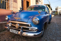 1951 Chevrolet Styleline DeLuxe Sedan in Trinidad, Cuba by studio-octavio