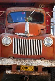1940s vintage Ford Jailbar truck, Cuba von studio-octavio