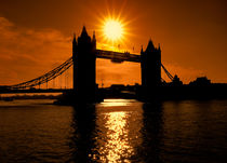Sunrise Over Tower Bridge von Graham Prentice