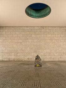 Skulptur des Gedenkens in der Neuen Wache von Steffen Klemz