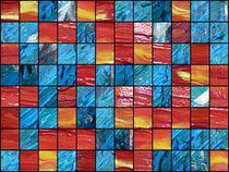 Schachbrett-Collage in Rot und Blau von Martin Uda