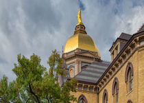 Notre Dame And The Golden Dome von John Bailey