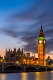 Big Ben erstrahlt im Licht by Martin Büchler