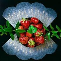Stillleben mit Erdbeeren.  von li-lu