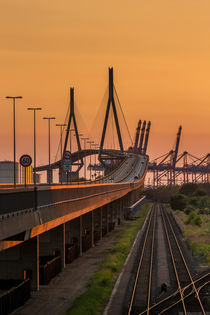 Köhlbrandbrücke im Sonnenuntergang von Martin Büchler