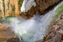 Turbulent Yellowstone Falls von John Bailey