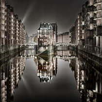 hamburg@night by Manfred Hartmann