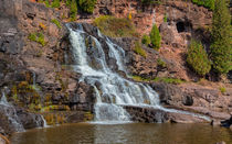 Waterfalls Leading To Lake Superior von John Bailey
