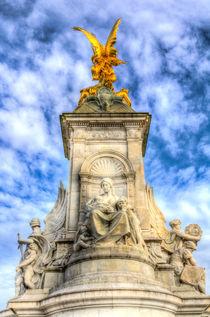 The Victoria Memorial London  by David Pyatt