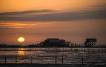 Sonnenuntergang in Sankt Peter-Ording von Annette Sturm