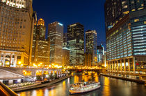 Chicago Magnificent Mile by Lev Kaytsner