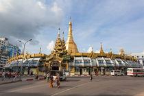 Sule Pagoda, Downtown Yangon, Myanmar. von kytefoto