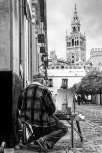 La Giralda de Sevilla by Víctor Bautista