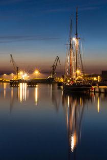 Segelboot im Hafen von Wismar von Moritz Wicklein