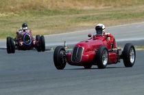 Maserati leads Alfa Romero von James Menges