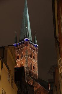 Lübeck St.Petri nachts by fotowelt-luebeck