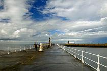 Along The West Pier, Whitby von Rod Johnson