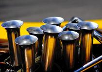 8 Zylinder, 8 Trichter von Juergen Neher