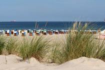 Strandkörbe am Meer von fotowelt-luebeck