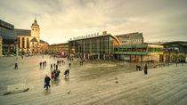 Koln Hauptbahnhof  by Rob Hawkins