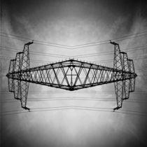 Der schwebende Strommast  by Christina Beyer