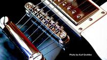 Guitar, Gitarre von Kurt Gruhlke