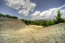Epidavros Amphitheatre von Rob Hawkins