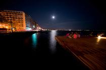 Thesalonika Night vista  by Rob Hawkins