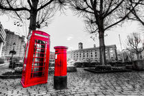 Red Post Box Phone box London by David Pyatt