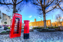 Red Post Box Phone box London von David Pyatt