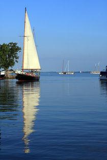 Sailboat Reflections von Aidan Moran