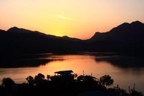 Himalayan Sunrise von Aidan Moran