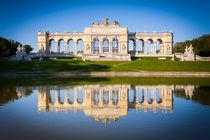 Gloriette Wien Spiegelung by Lukas Kirchgasser