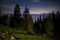 Karawanken in der Nacht von Lukas Kirchgasser
