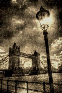 Tower Bridge Vintage von David Pyatt